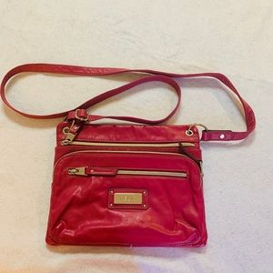 Relic hot pink purse multiple zippers and pockets